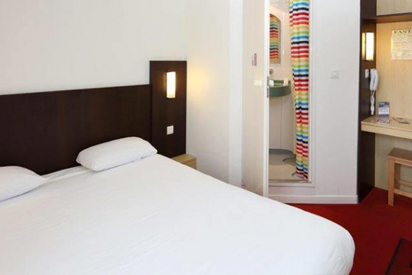 Fasthotel Reims 13